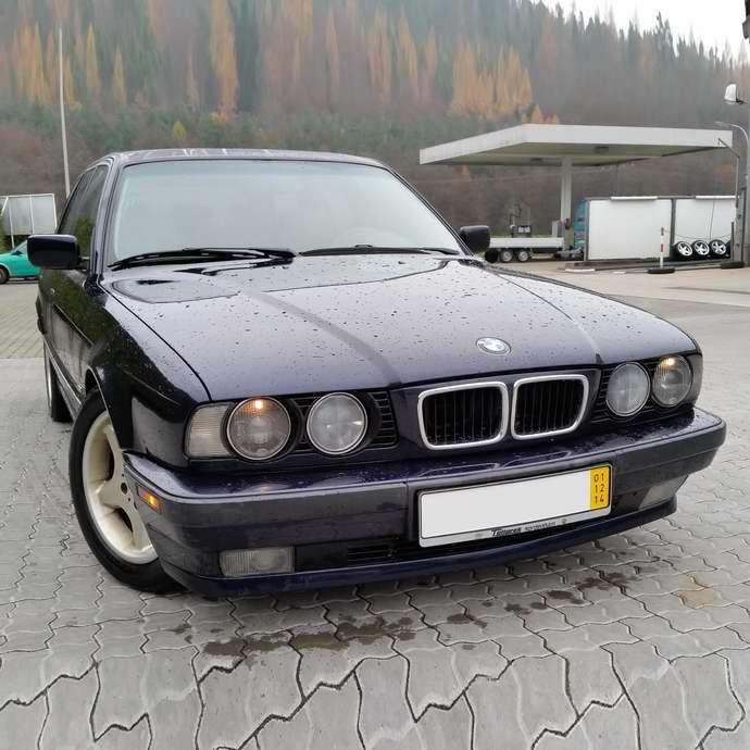 БМВ Е34 525i Туринг МКПП 1996 Orientblau Metallic