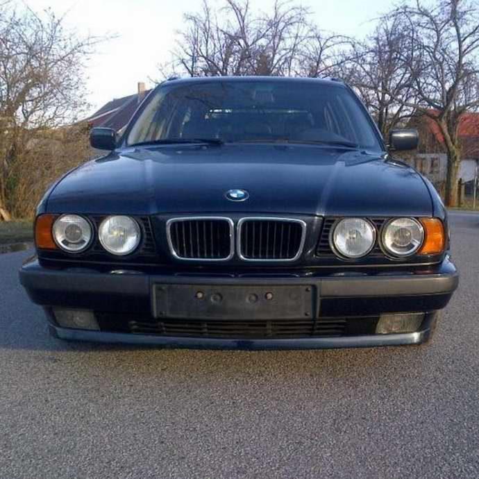 БМВ Е34 525i Туринг МКПП 1995 Petrol-Mica Metallic